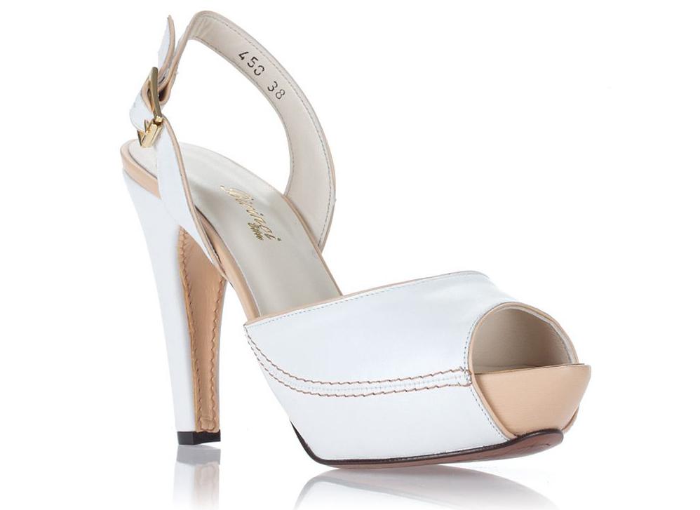 белая летняя обувь