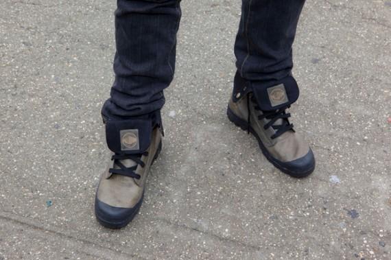 в ботинках