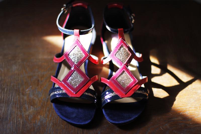 яркие туфли на лето