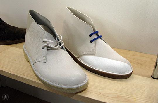стильные ботинки в бежевом стиле