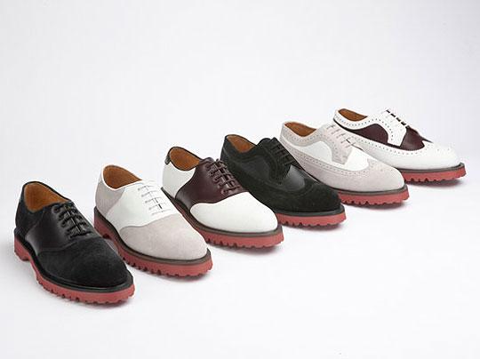разная обувь от туфель до сапог