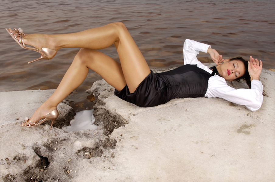 девушка в шикарной обуви